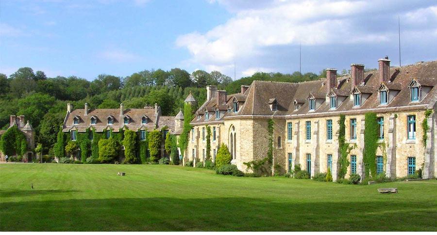 V134 great escapes abbaye des vaux de cernay cernay la for Abbaye des vaux de cernay piscine