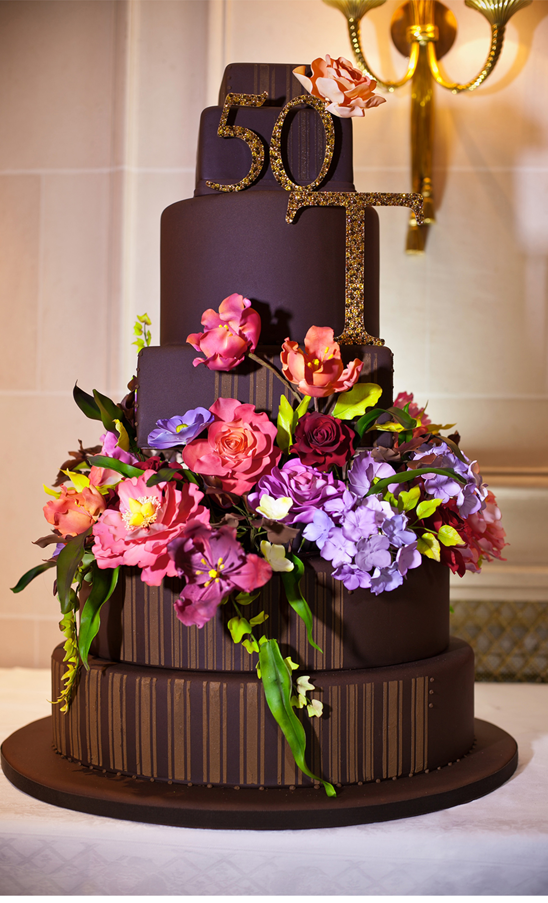 Our Muse - Paris Luxury Wedding - Be inspired by Lucas and Thierry's luxurious Paris wedding set in shades of elegant purple and gold - lucas somoza, wedding, cake, ceci new york, purple, gold, paris
